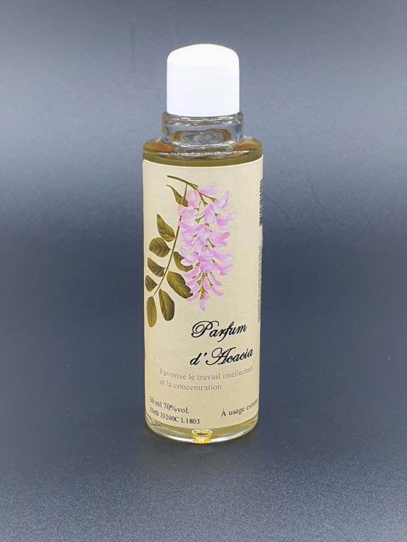 L'acacia permet d'augmenter les capacités de concentration. Son parfum aide aussi à la méditation